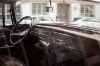 Assicurazione rc auto, tu dove lo esponi il contrassegno?
